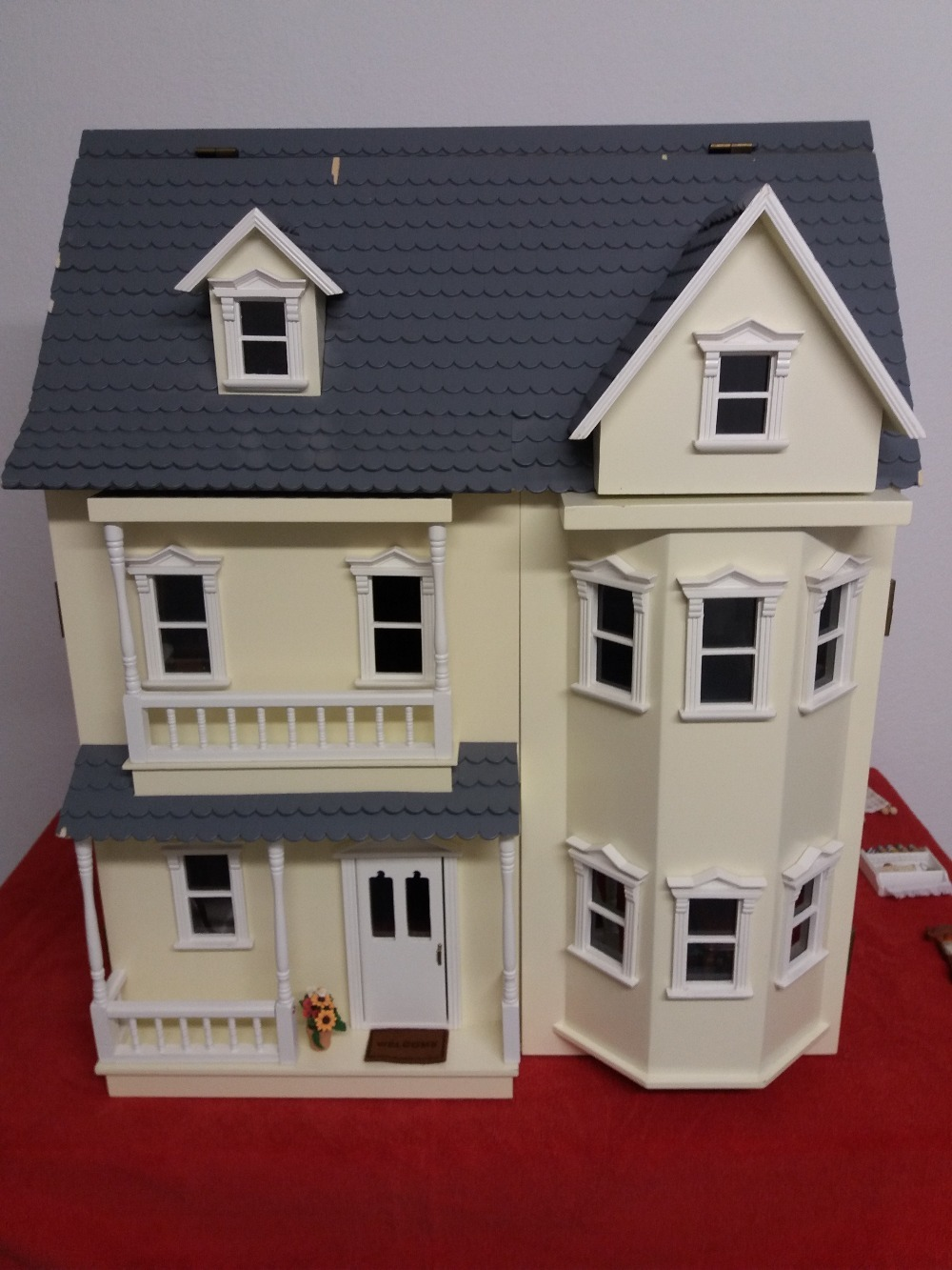 Collectors item large german doll house from schwarzwalder for Big houses to buy